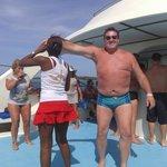 Fiesta en el catamarán