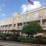 Photo de Baymont Inn & Suites Kalamazoo East