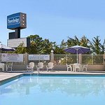 Photo de Travelodge Ridgeway Martinsville Area