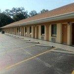 Photo of Deluxe Inn Hardeeville