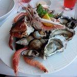 Belle assiette de fruits de mer