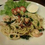 The spaghetti seafood.