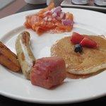 朝食バイキングとは思えないクオリティの高いパンケーキでした