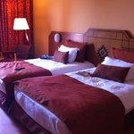 stanza matrimoniale con letto doppio