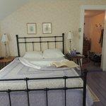 Eloise Derby bedroom