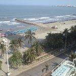 vista de costado desde la habitación y zona de la playa