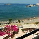 Spiaggia sotto all'albergo
