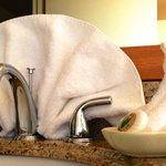 Creative towel display