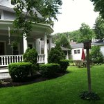 Jefferson Inn - Front Patio