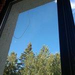 Filo penzolone fuori la finestra