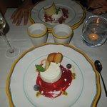 Dessert al caprino e frutti rossi