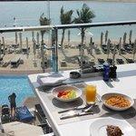 Beach breakfast!