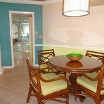 2-bedroom suite dining area