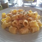 Pasta con provola e patate (spero di non sbagliare i termini), piatto napoletano