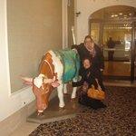 Vaca colorida na recepção