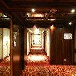 Pasillo hacia habitaciones 5º piso