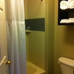7/10/14 - Full bathroom with bathtub and wide curtain bar with locking door.