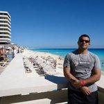 Crow Paradise Club Cancún