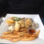 6 bluff oysters natural and 6 battered with chips and salad - brilliant !