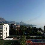 Вид из номера. На соседний отель горы, море. (номер на восточной стороне)