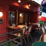Kobest open cafe : cafe de Paris the name says it all
