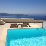 Room 12 Deluxe Suite - Pool on Balcony