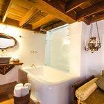 Integrated bath tub in junior suite