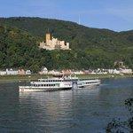 Blick aus dem Gästezimmer auf Schloß Stolzenfelz und den Rhein