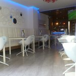bar/breakfasting area