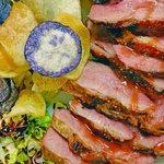 Petto d'Anatra alla griglia con salsa alle prugne e chips di patate