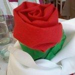 Rosa fatta con tovagliolo