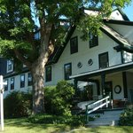 Picture of the Follansbee Inn