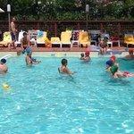 Lezione di acquaticità per bambini
