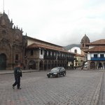 Parte da Igreja e Hotel em Cusco