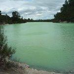 eau verte du lac de Ngakoro