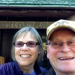 Anita and Bob pose in front of the Bryce Canyon Lodge