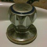 rubinetto con incrostazioni