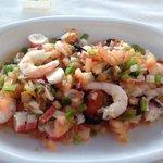 A superb ensalada mariscos