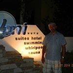 przed hotelem