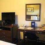 Schreibtisch & TV