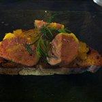 Tartine foie gras sur compoté d ananas