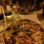 Pizza normale e doppio impasto.