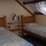 Honeysuckle - Twin Bedroom