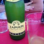 The local cider 地元のシードル(りんごのお酒)