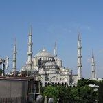 屋上テラスからのブルーモスク