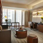 Hansar Bangkok Vertigo Suite Living