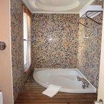 ванная для людей, ростом не выше 175см