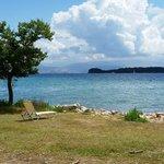 Vista dell'isola di vidos dal giardino destro
