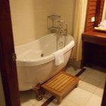 salle de bains/ baignoire balneo