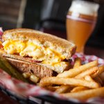 Bacon Mac 'n Cheese Grilled Cheese!